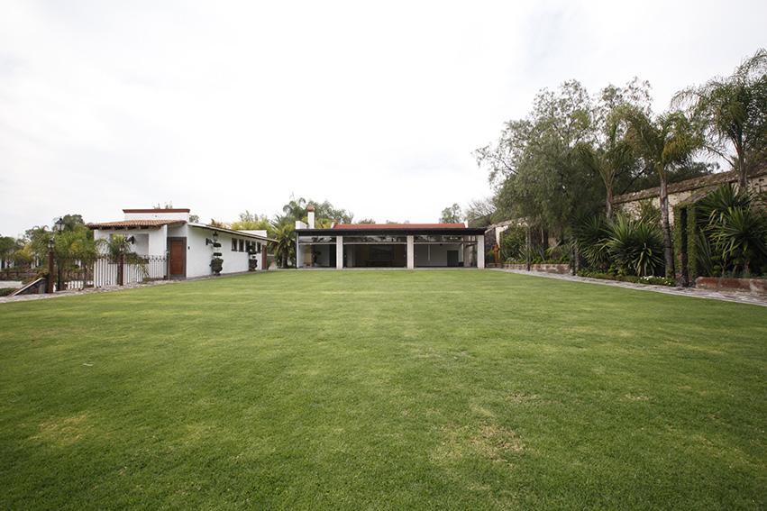 Jardines y salones para eventos hotel hacienda la venta for Imagenes de jardines para fiestas